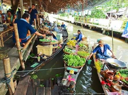 Ladmayom Floating market