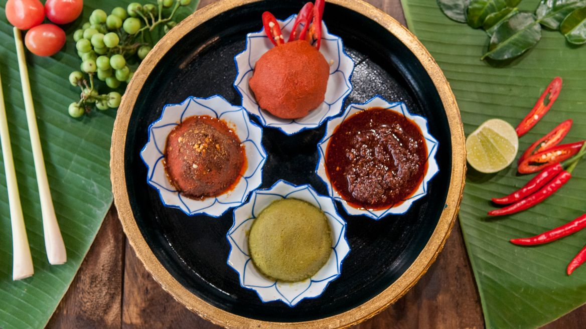 Green, Red, Panaeng, Massaman curry pastes