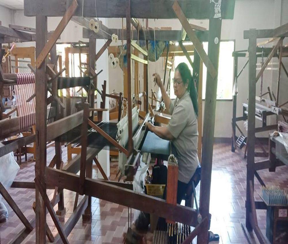 How to make Thai silk