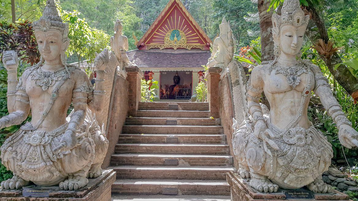 At hidden temple Wat palad