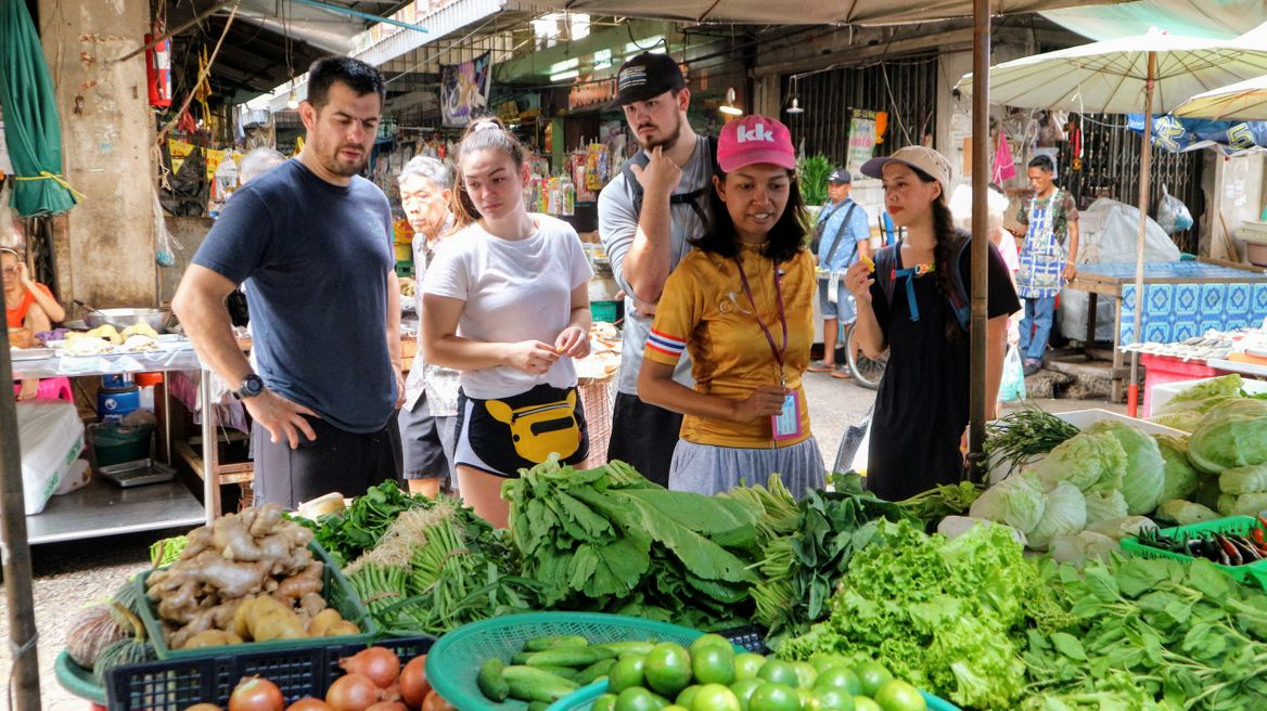 Explore a local Thai market