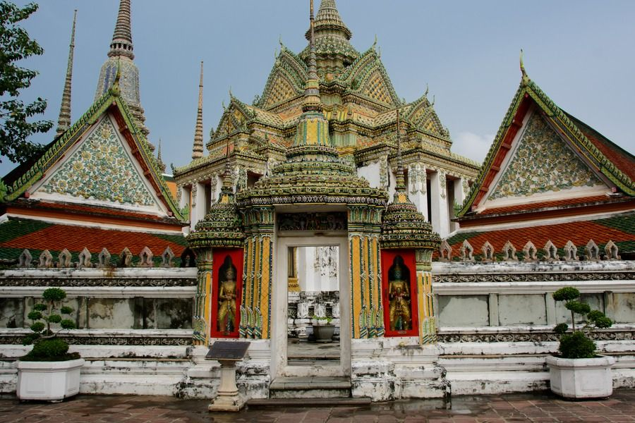 Temple of the Reclining Buddha - Wat Pho (1)