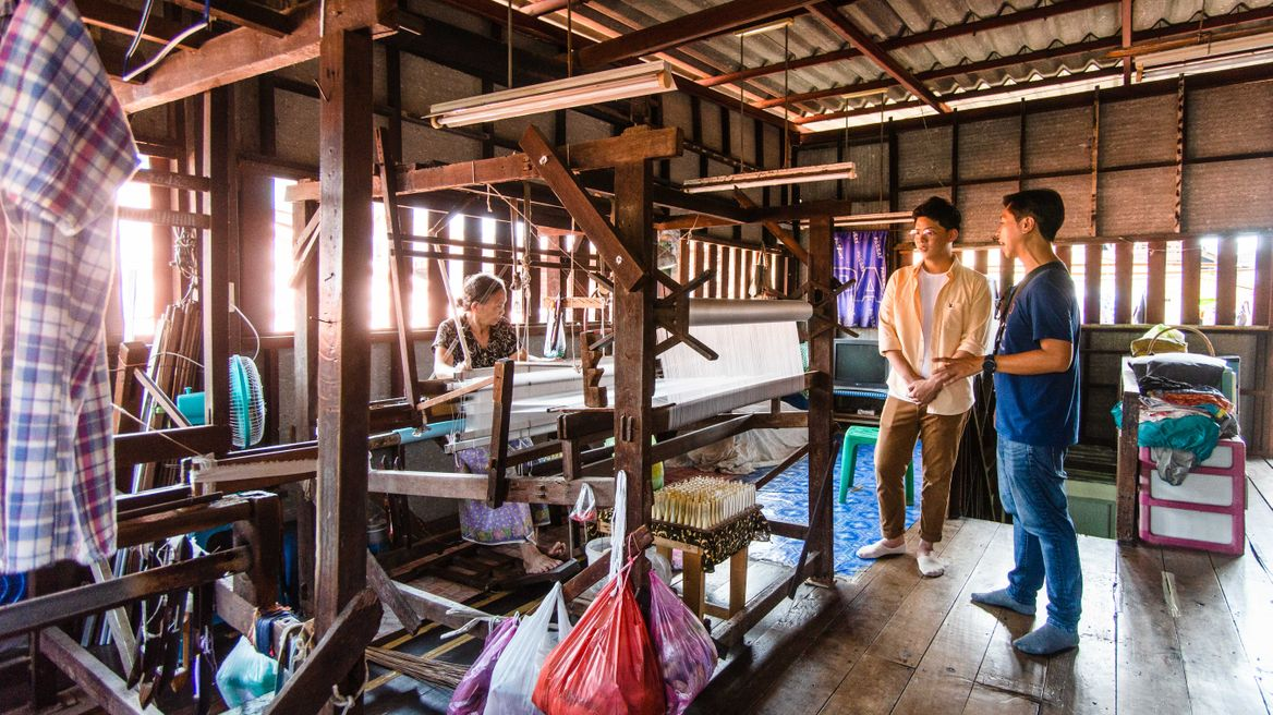 See how they make silk at Baan Krua village