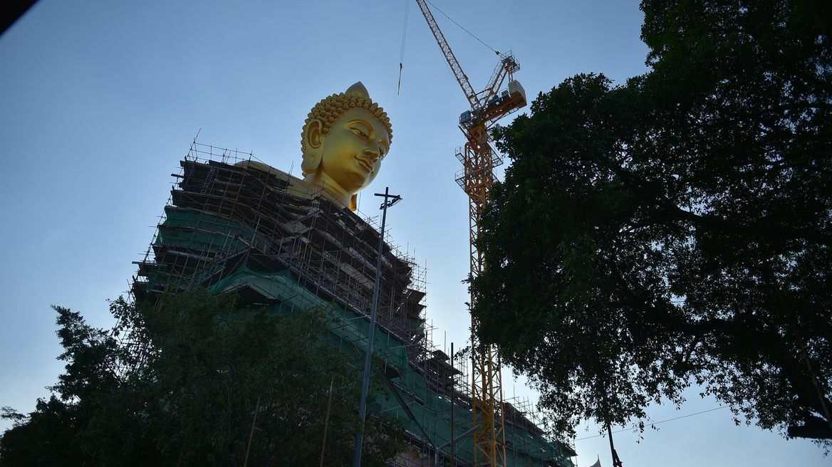 Beautiful Buddha image with 69 meters (226 ft) tall and 40 meters (130 ft) wide.