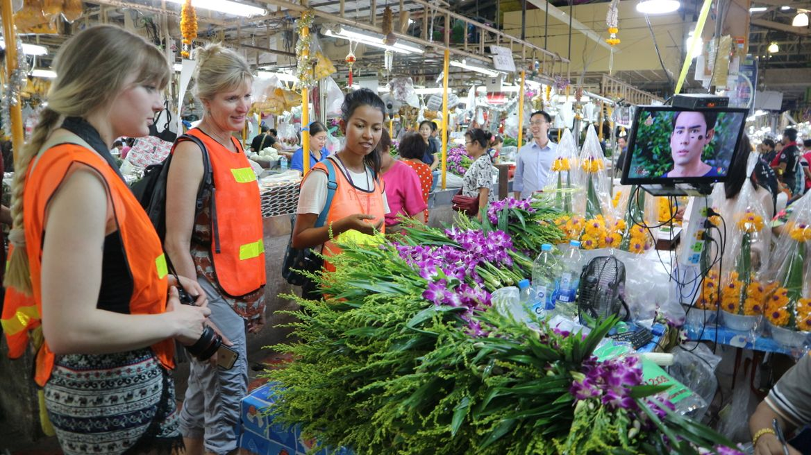 Explore Bangkok's famous flower market