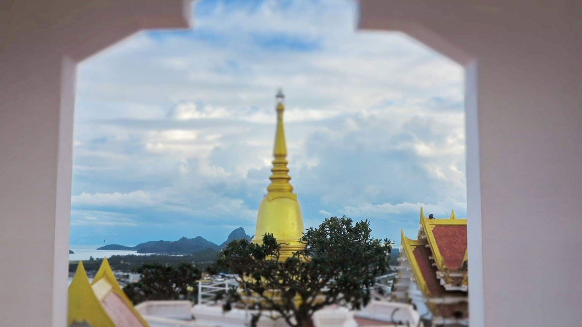 """Temple on mountain at """"Chong kra jok"""" mountain."""