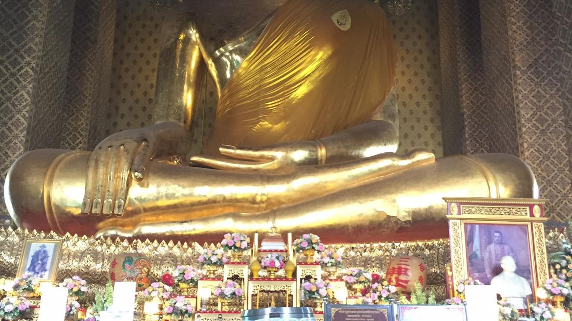 Wat Kalayanamitr Varamahavihara (The Biggest Buddha in Bangkok)