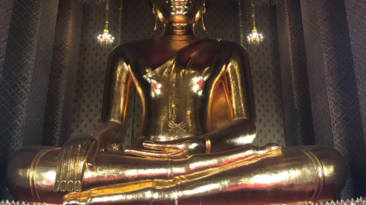 Biggest sitting buddha image