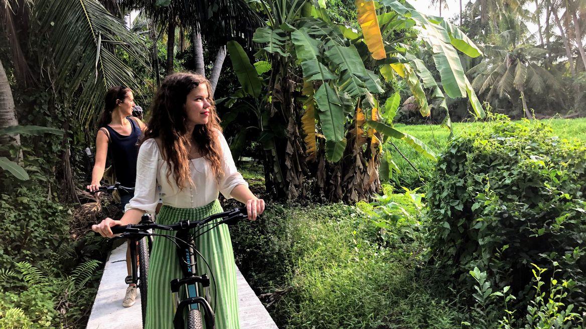 Ride through green areas of Bangkok