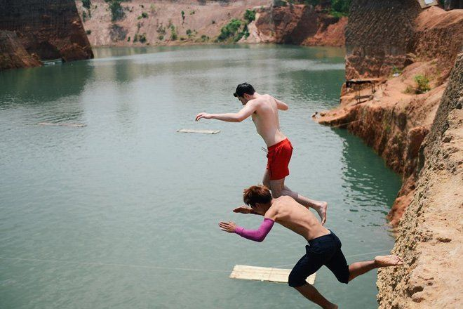Jump into the water at Grand Canyon Chiang Mai
