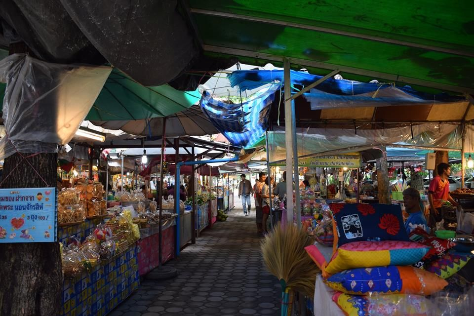 Local Market near Wat Phra Non Chaksri