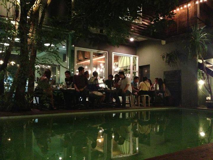 cafe after dinner