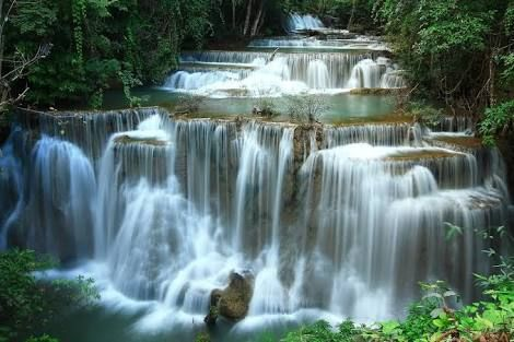 Huau Mae Khamin Waterfall