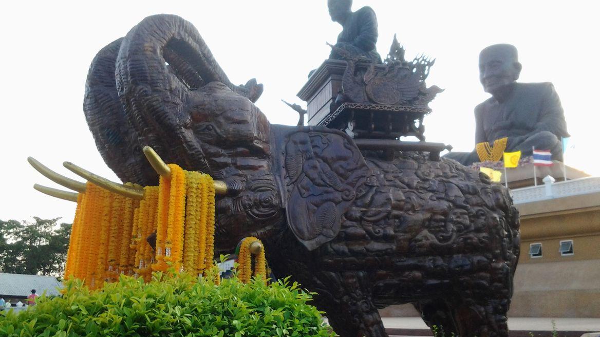 Huay Mongkol Temple 3