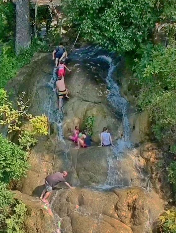 Chiang Mai Tour: Bua Tong Sticky Waterfall