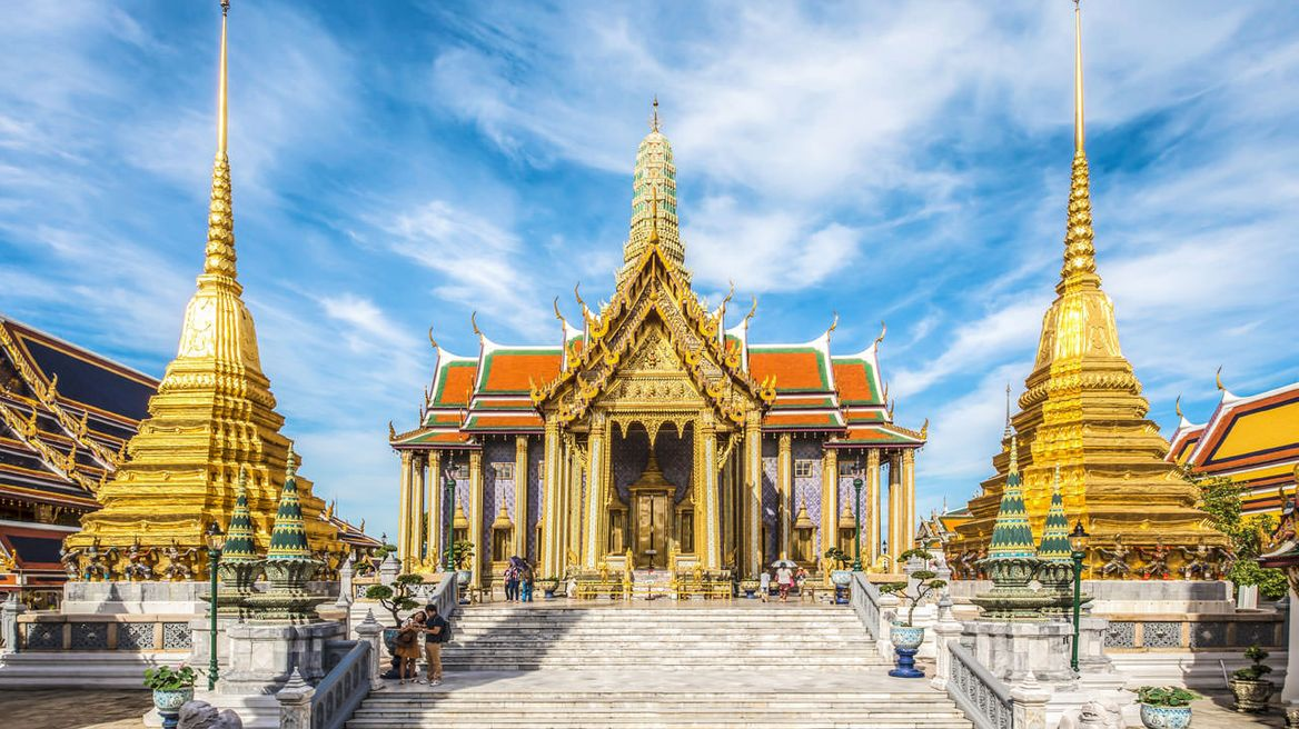 The Grand Palace and The Emerald Budda Temple (Highlight and Must See Places)