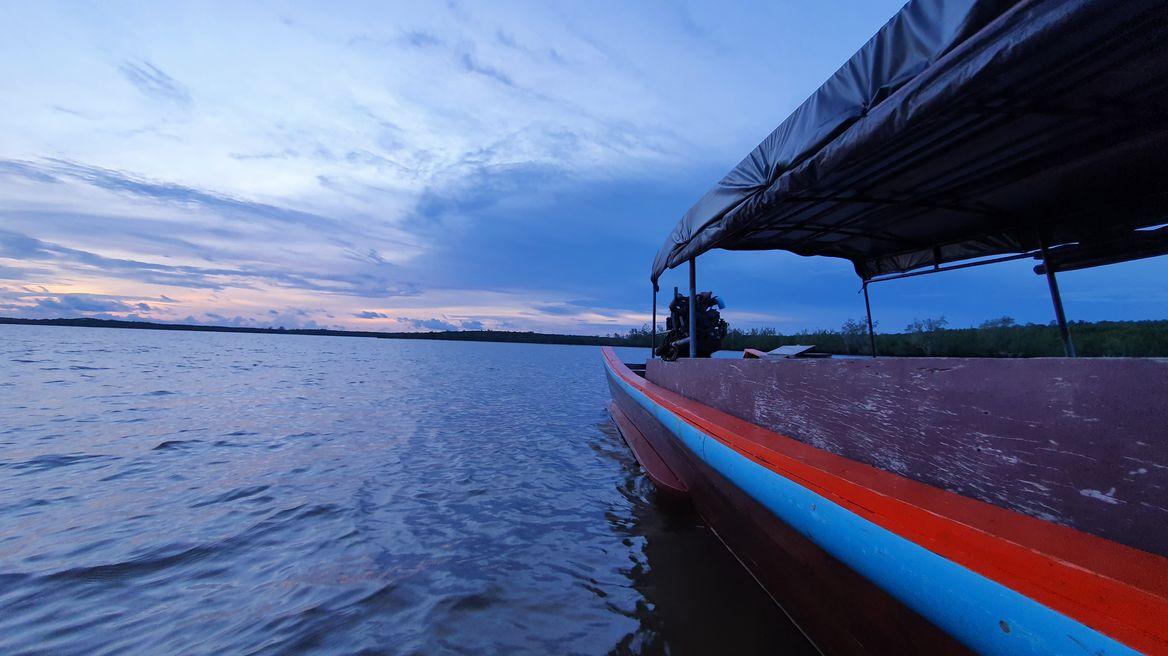 เดินทางกลับเข้าท่าเทียบเรือพร้อมวิวพระอาทิตย์ตกดิน