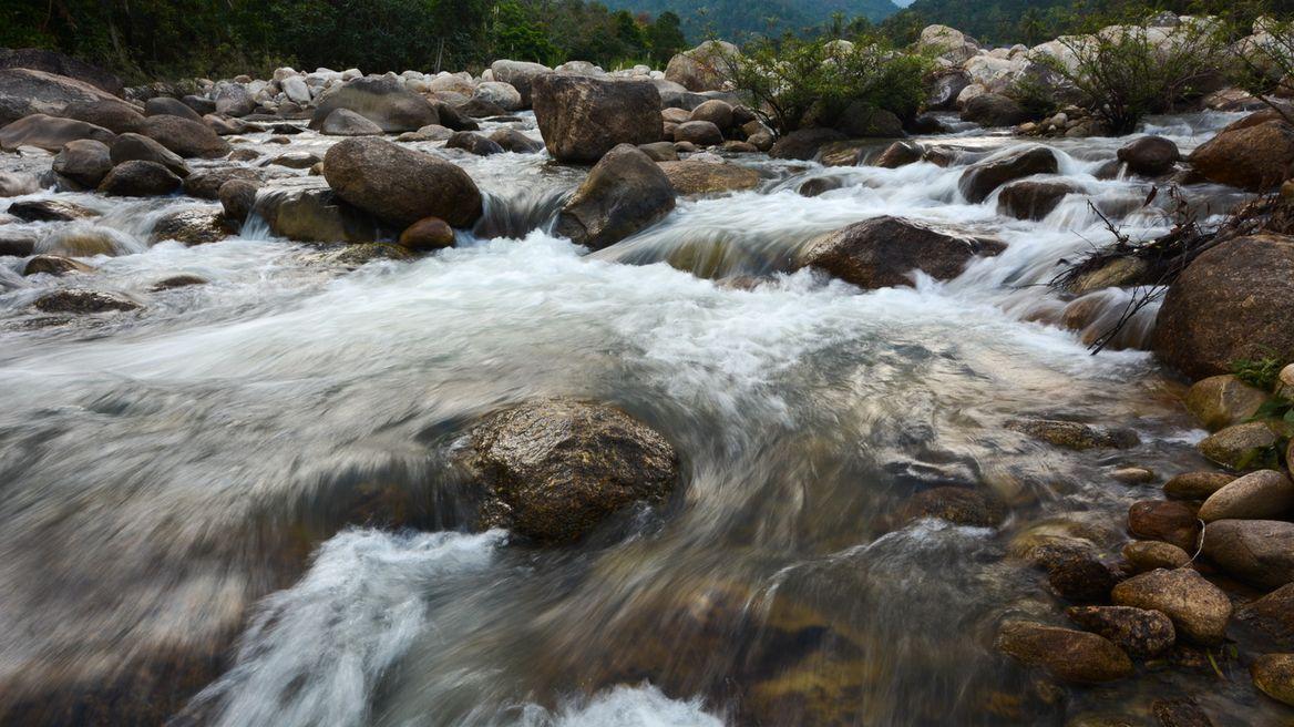 ' Thaha waterfall in Kiriwong village'