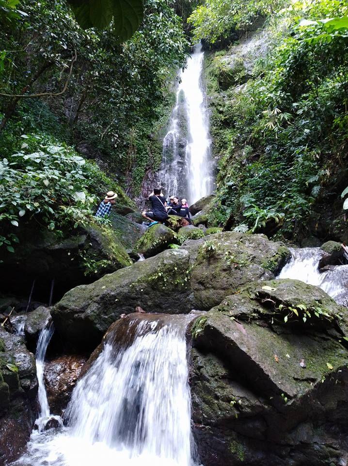 Waterfall at Khun Darn Prakarn Chon Dam