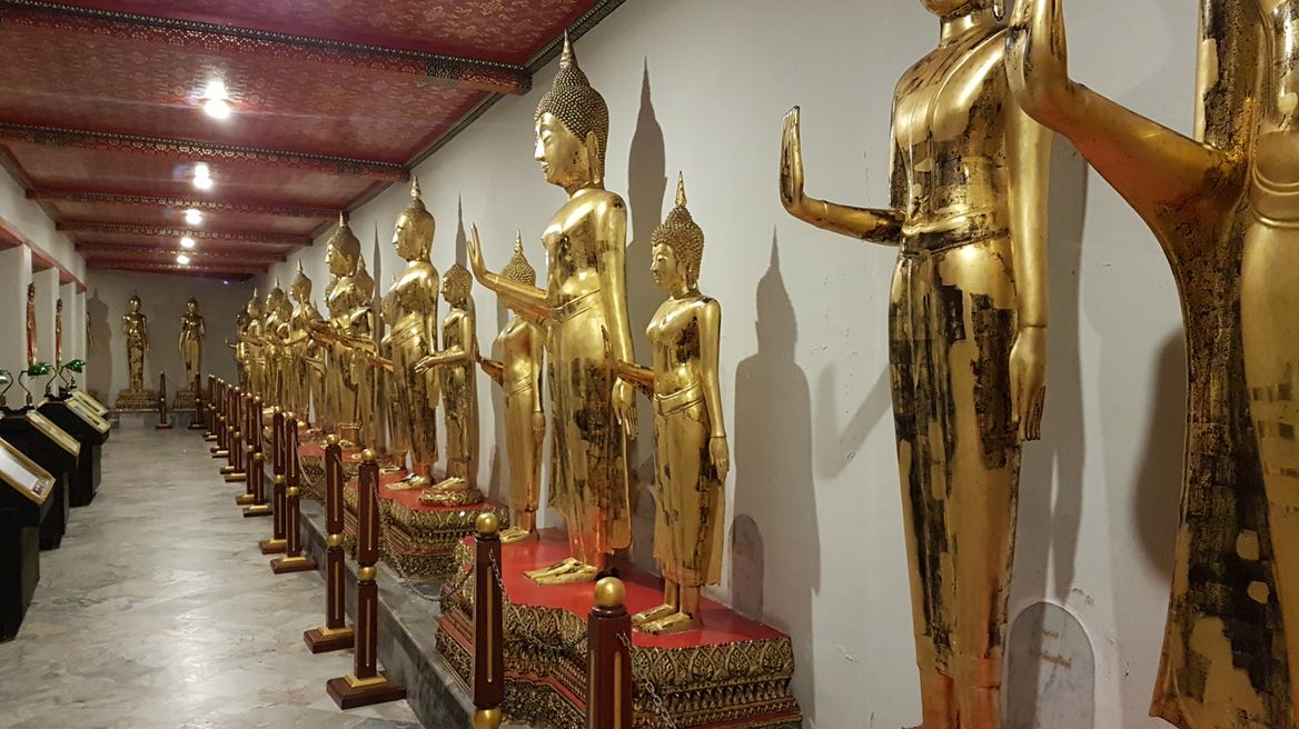 Wat Pho (Temple of the Reclining Buddha) at night