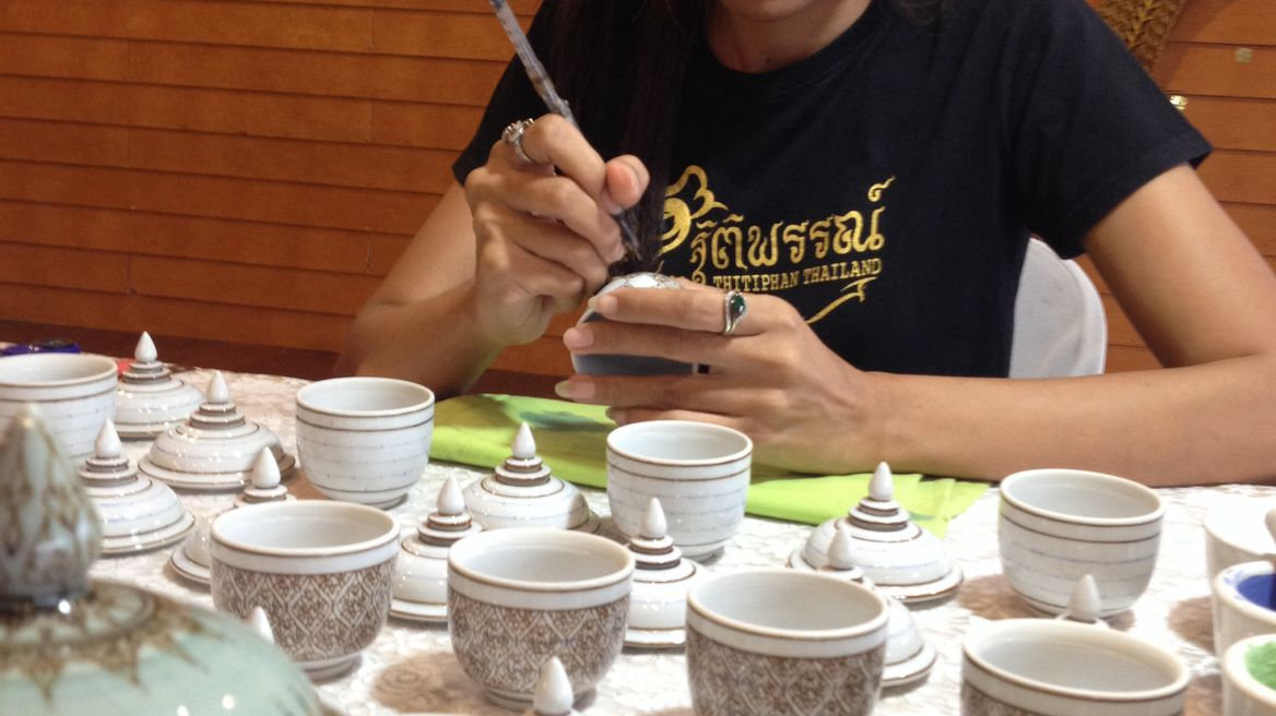 Thai art painting on potteries