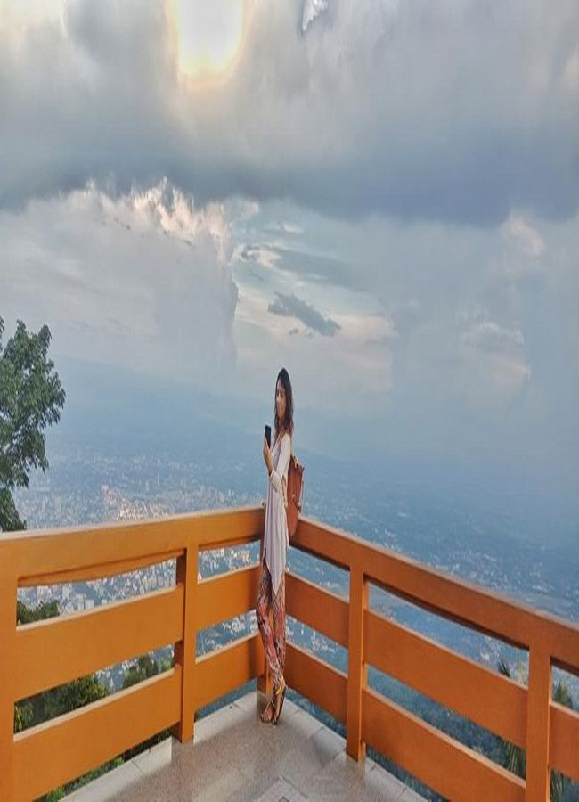 Take a photo with Chiangmai view point.