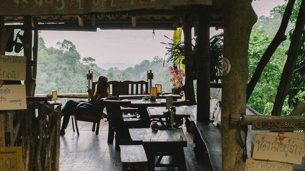 Chom Nok- Chom Mai Coffee shop Just before you get to Mae Kampong waterfall you'll see this quaint cafe which sells tea, coffee and bakery goodies. lt is located at a good vantage point to look down and take pictures of the beautiful panoramic landscape of Mae Kampong Village.
