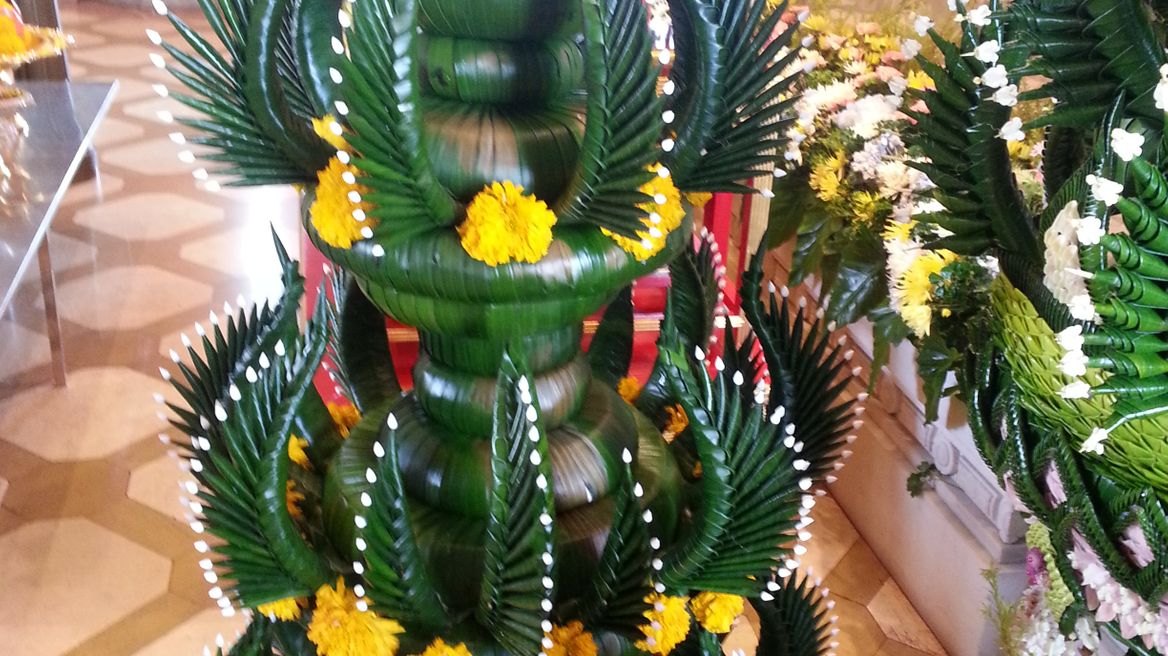 Made from banana leaves, Trimitr Temple