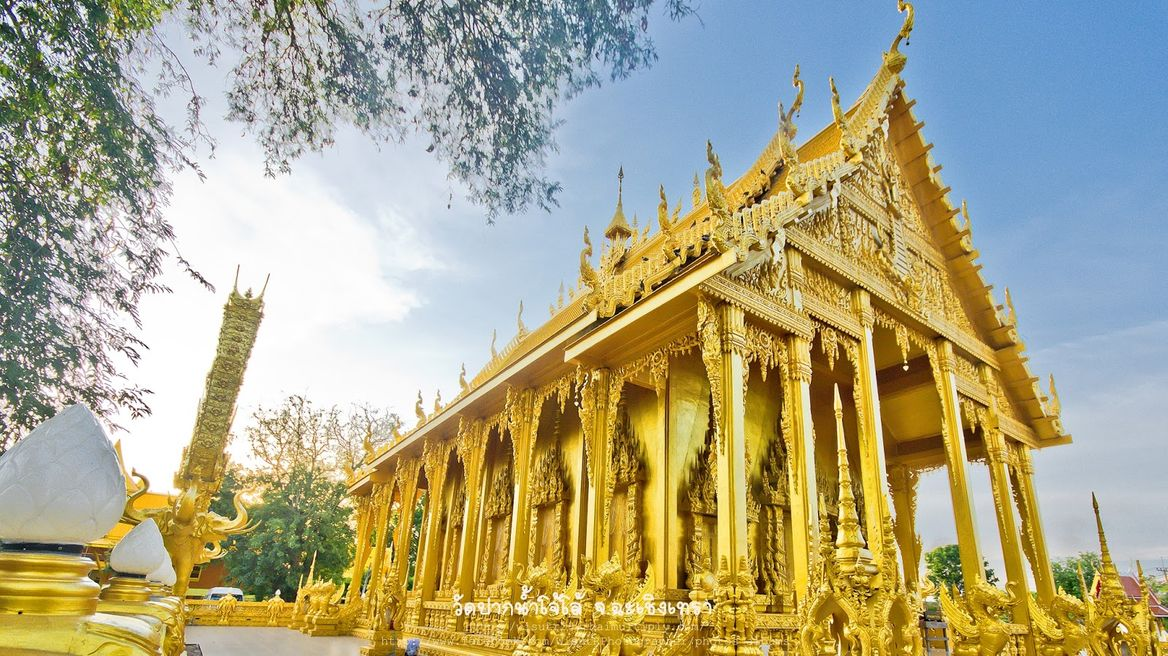 Wat praknam jolo (golden temple)
