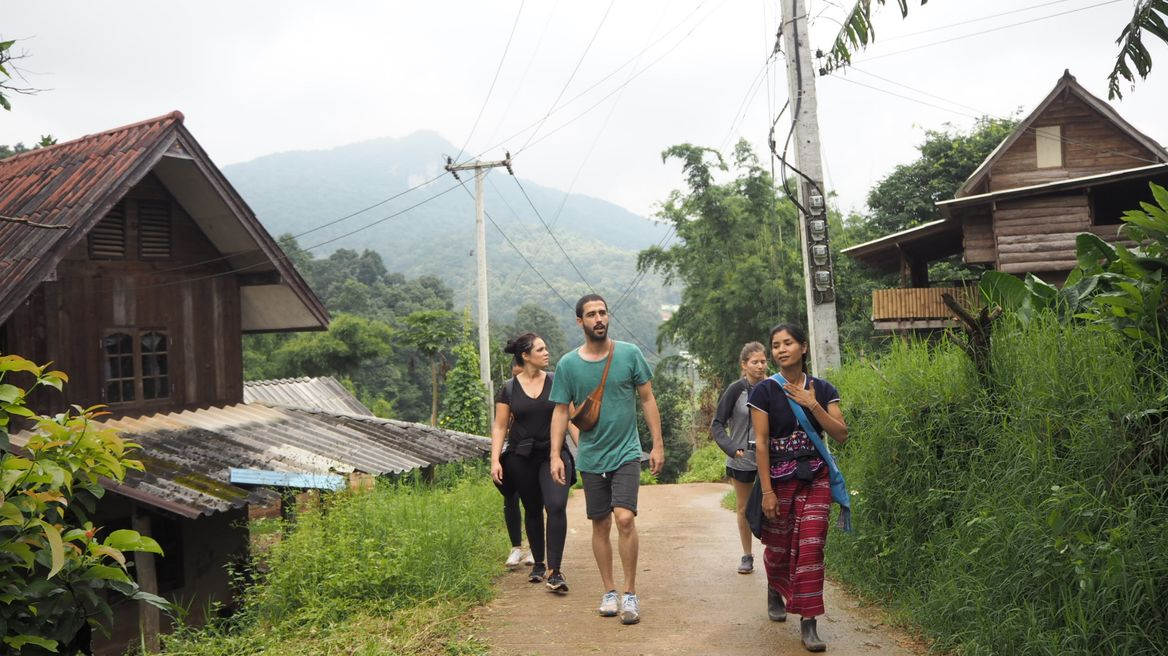 Visiting the Karen village and learn more about them