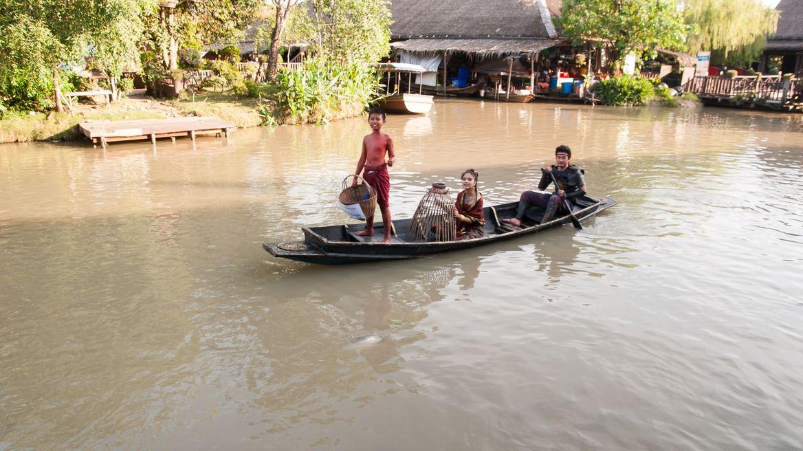 Paddle boat at Ayothaya Market