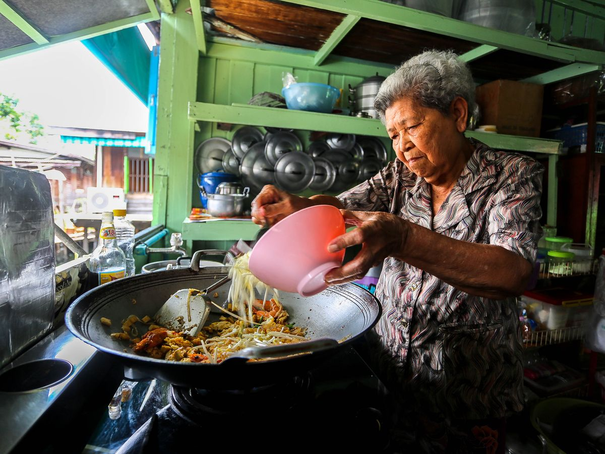 Private Thai Cooking Class with Locals