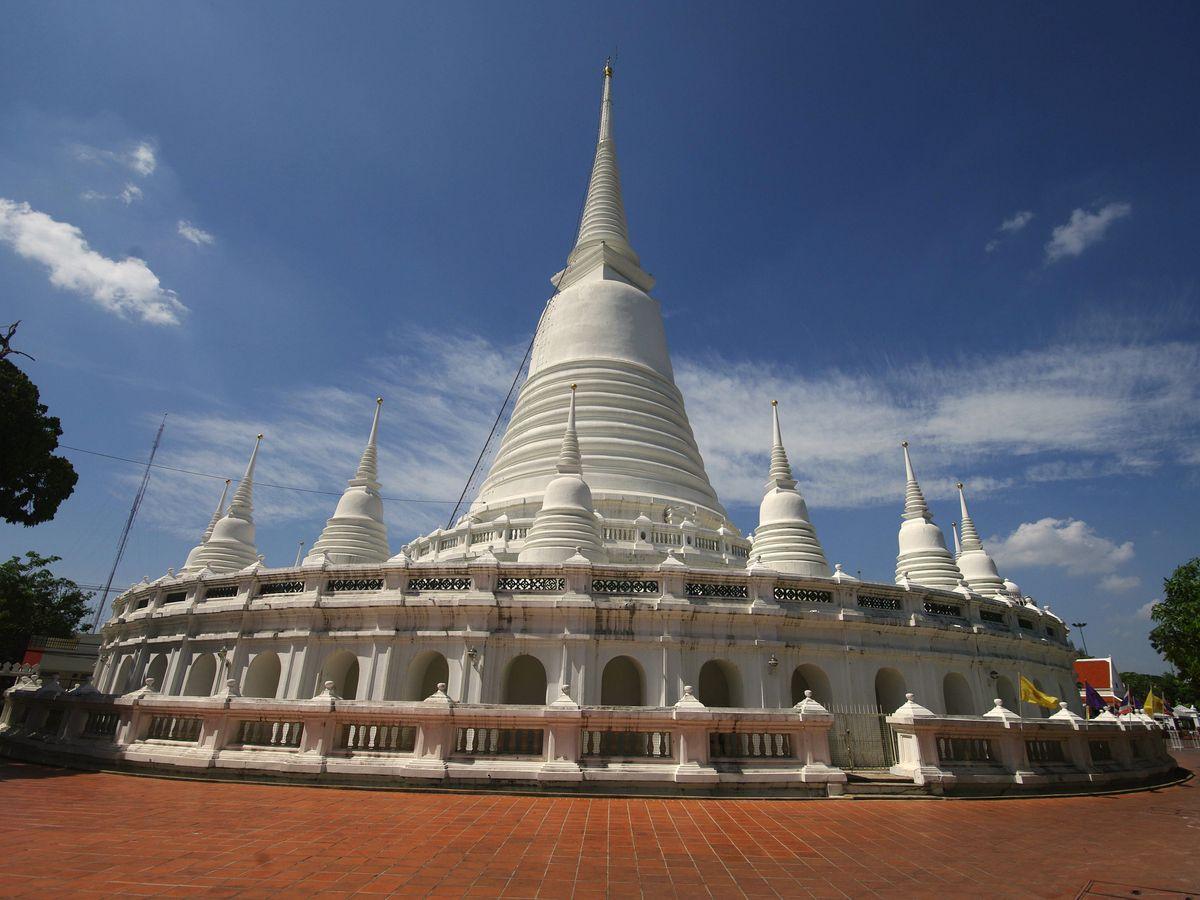 wat prayoon bangkok thailand