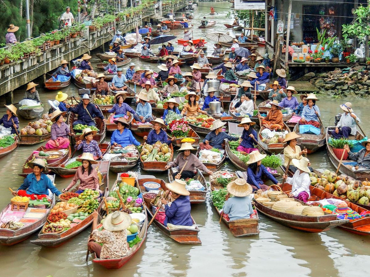 Tha Kha Floating Market | TakeMeTour