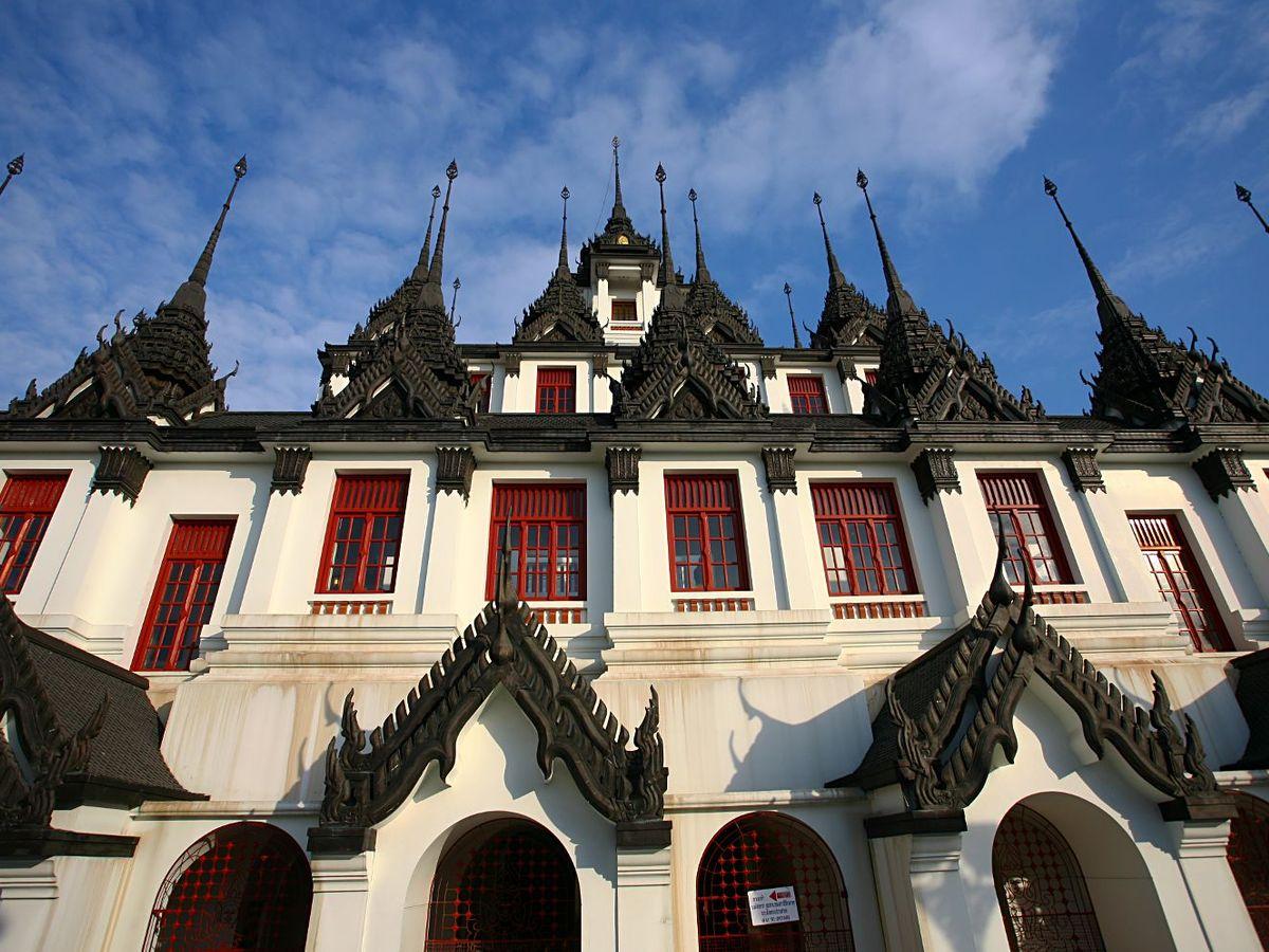 wat loha prasat bangkok thailand