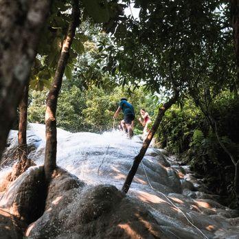 Bua Tong Waterfalls (น้ำตกบัวตอง)