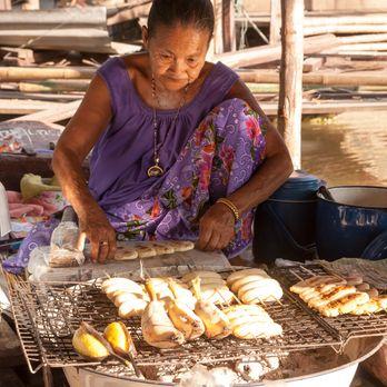 Vendor at Ayothaya Market