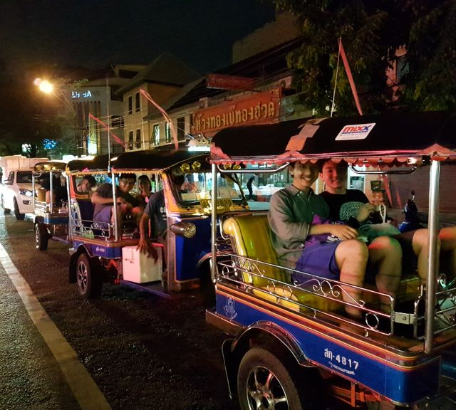 Bangkok Tuk Tuk Night Tour: Food, Markets & Temples