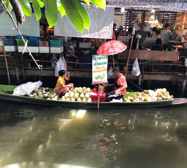 Bangkok Private Tour: Khlong Lat Mayom Floating Market & Orchid Farm