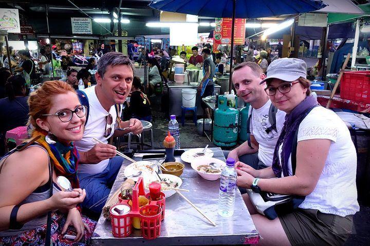 Travelers enjoy Local Street Food like a roadside Michelin Star Restaurants